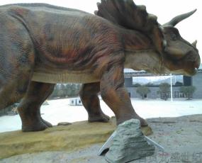 选购仿真恐龙时应更加注重质量,其次是服务体系