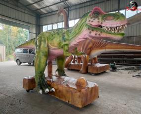 行走的大型恐龙_霸王龙