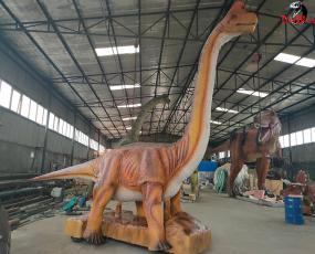 行走的大型恐龙_腕龙